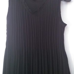 long dress, pleated dress, black dress, formal